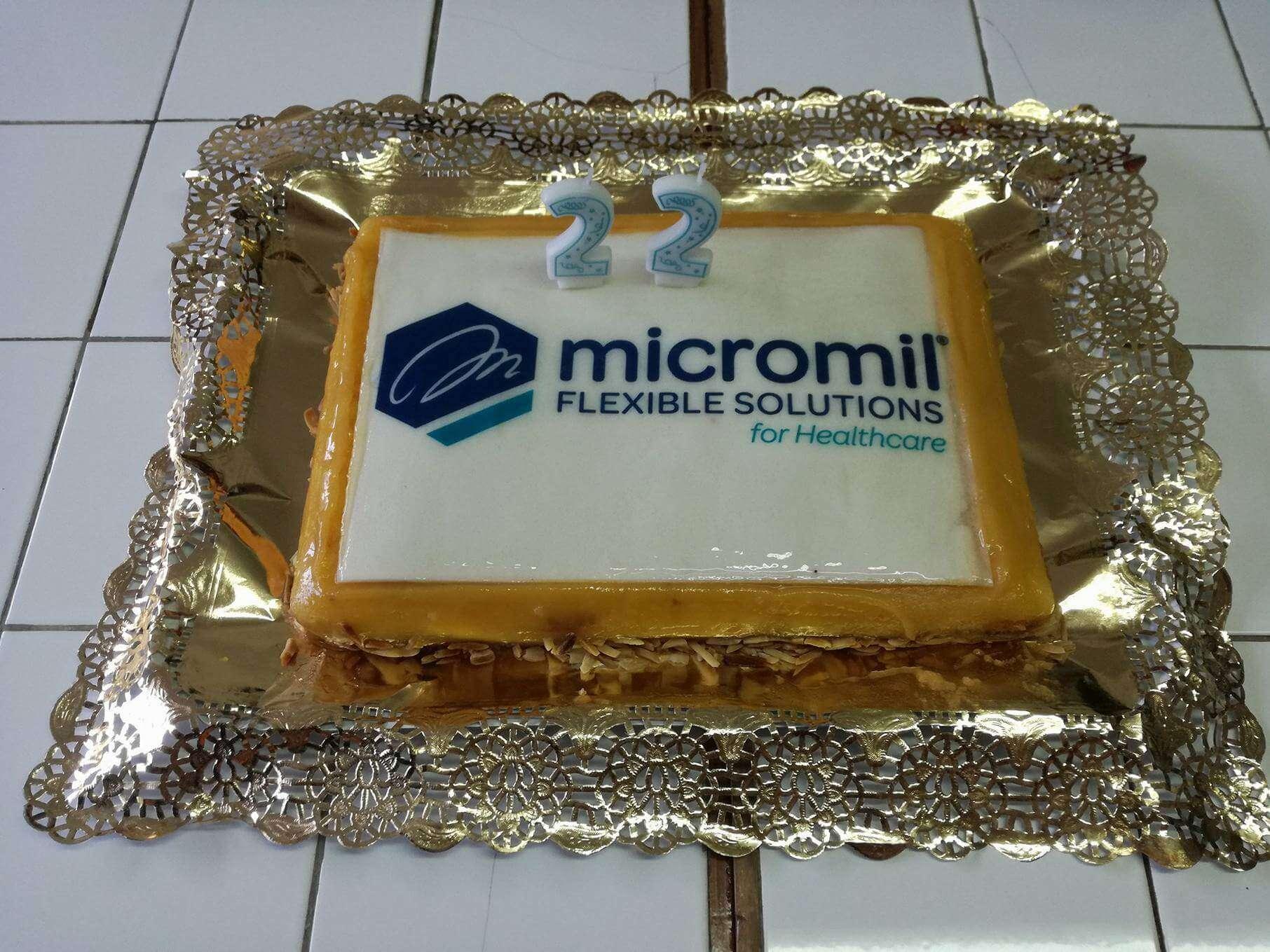 micromil Micromil celebra mais um aniversário em equipa bolo aniversa  rio micromil