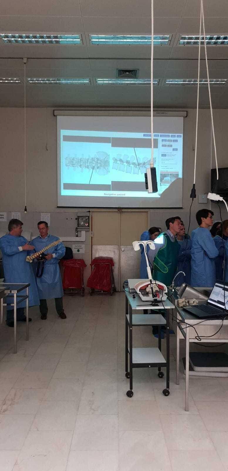 micromil Micromil apoia Curso de Endoscopia da Coluna micromil presente no curso de endoscopia